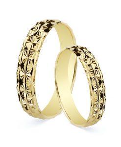 Alianza de 4 mm en Oro Amarillo 18 Quilates Tallado Diamantado