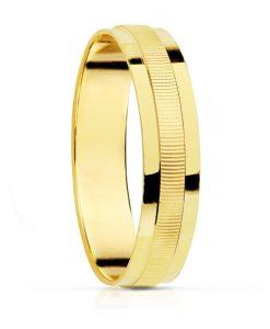Alianza de 4 mm en Oro Amarillo 18 Quilates con Tallado Lineal