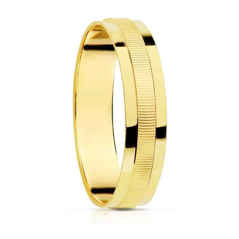 cb8124fcf374 Alianza de 4 mm en Oro Amarillo 18 Quilates con Tallado Lineal